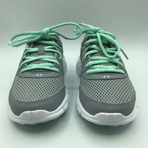 NWOT Under Armour Thrill 2 Running Shoe